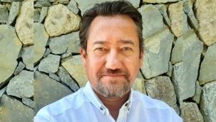Gazeteci Akinan: Bir bakanın kardeşi Suriyede sanayi tesislerini ve zeytin yağını yağmalıyor